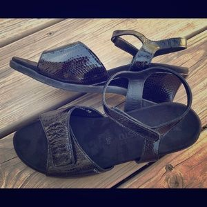 Mephisto Sandal strappy wedge size 38